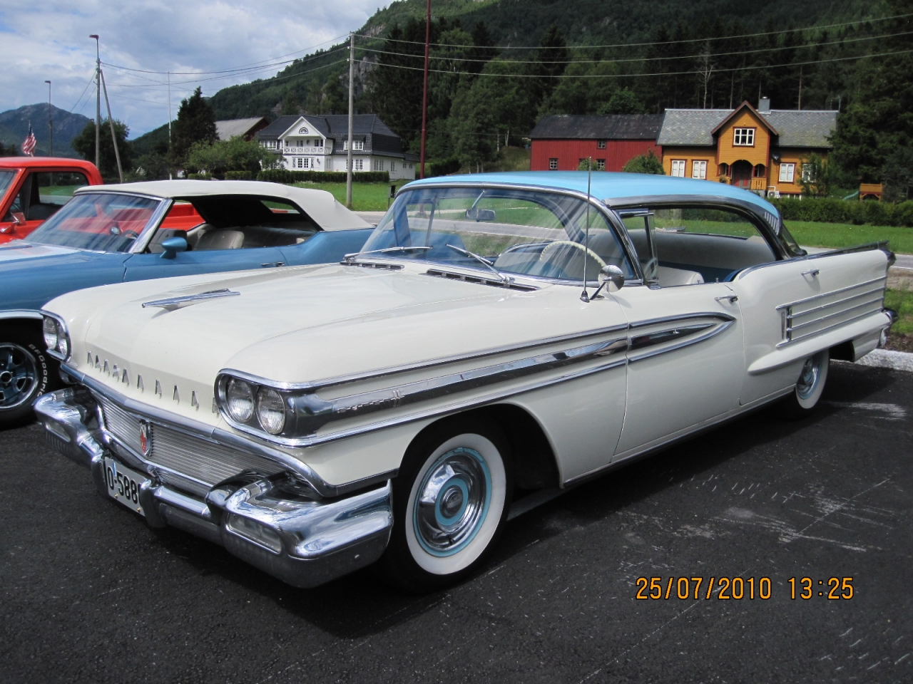 Kenneths_1958_Oldsmobile_Super_88_004