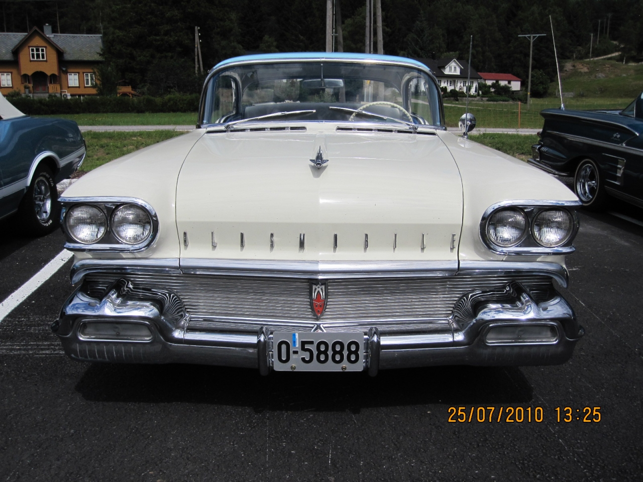 Kenneths_1958_Oldsmobile_Super_88_005