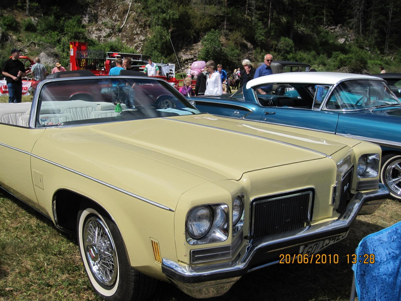 1972_Olds_Delta_88_005